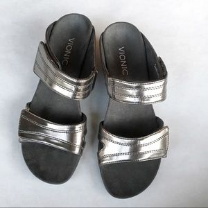 Vionic Pewter Gray Wedge Sandal Adjustable Strap 7
